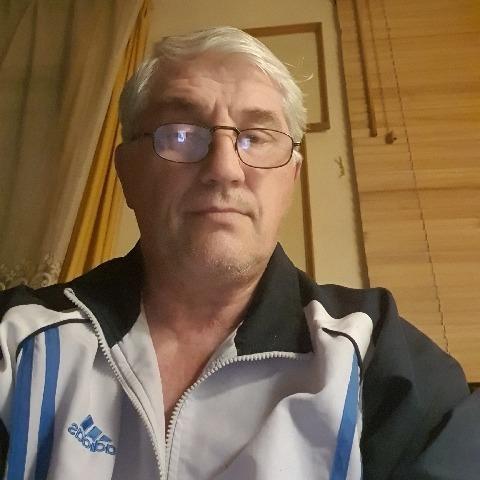 Petruska, 69 éves társkereső férfi - Paloznak