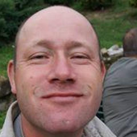 Attila, 43 éves társkereső férfi - Váralja