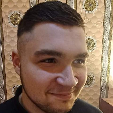 Károly, 20 éves társkereső férfi - Budapest