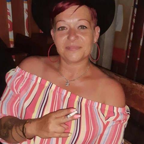 Róza, 42 éves társkereső nő -