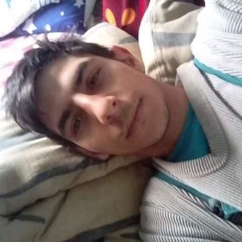 Pali, 20 éves társkereső férfi - Csaholc
