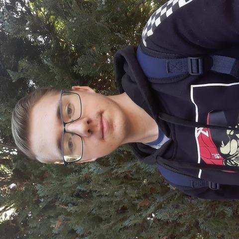 Tomi, 18 éves társkereső férfi - Pápa