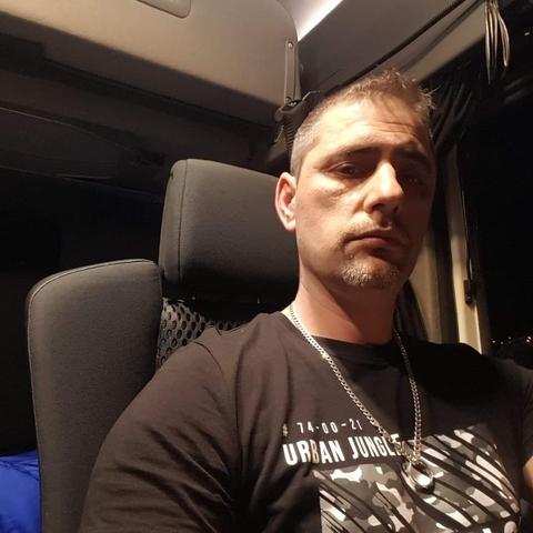 Attila, 40 éves társkereső férfi - Zsáka