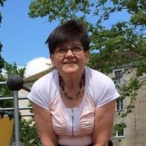 Marianna, 58 éves társkereső nő - Miskolc