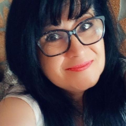 Csilla, 53 éves társkereső nő - Győr