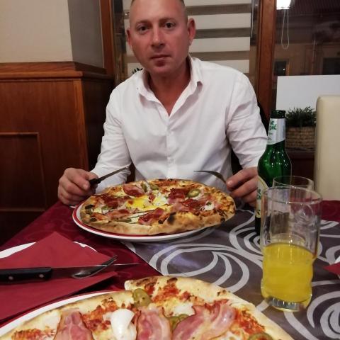 pizza társkereső)