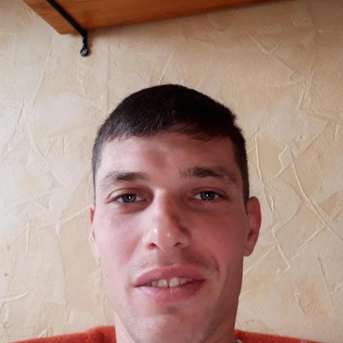 Zsolt, 35 éves társkereső férfi - Debrecen