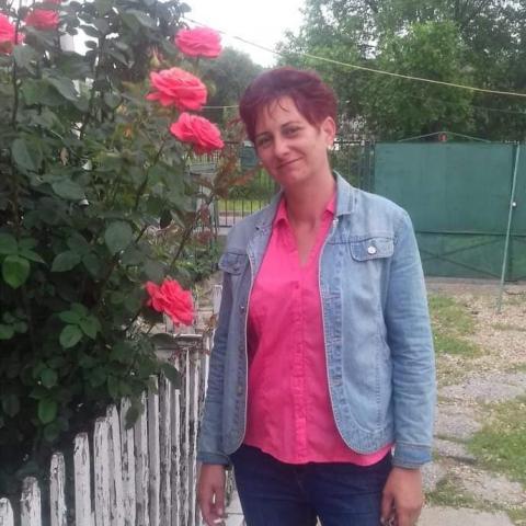 Szilvia, 42 éves társkereső nő - Miskolc