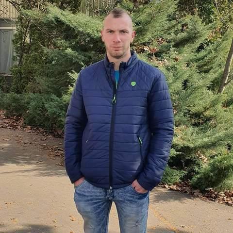 Tamás, 24 éves társkereső férfi - Békés