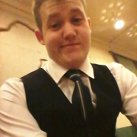 Viktor, 27 éves társkereső férfi - Debrecen