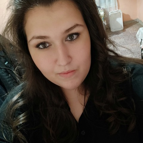 Viki, 20 éves társkereső nő - Békés