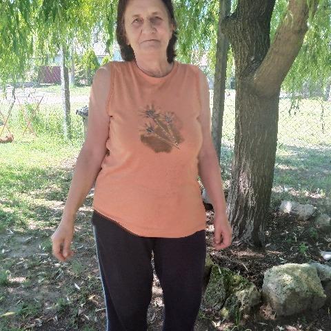 Erzso, 61 éves társkereső nő - Kék