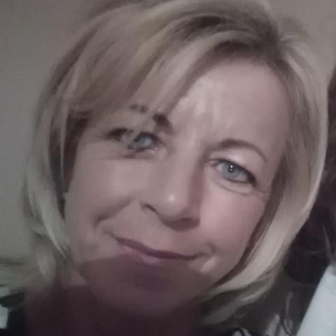 Marianna, 48 éves társkereső nő - Hatvan