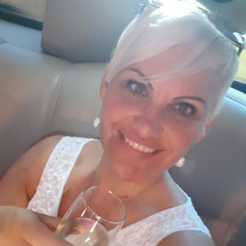 Évi, 39 éves társkereső nő - Szolnok