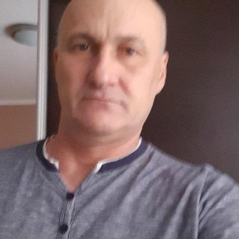 Róbert, 50 éves társkereső férfi -