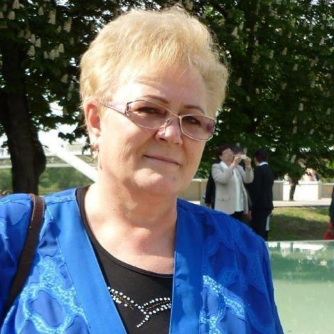 Katalin, 66 éves társkereső nő - Szolnok