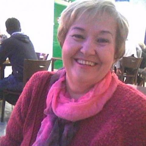 Elizabett, 69 éves társkereső nő - Eger