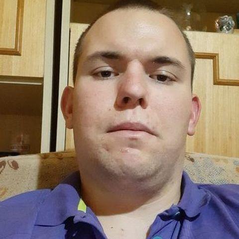 János, 24 éves társkereső férfi - Balkány