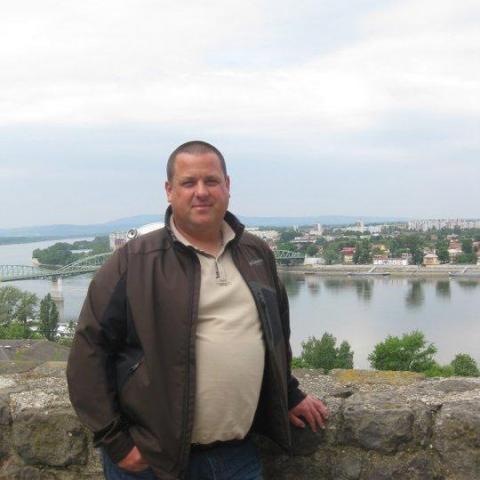 Attila, 42 éves társkereső férfi - Sóskút