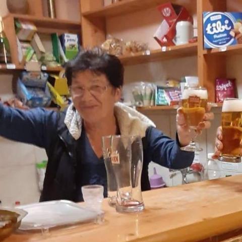 Zsófia, 66 éves társkereső nő - Tamási