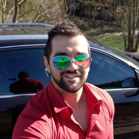 Adrián, 31 éves társkereső férfi - Pápa