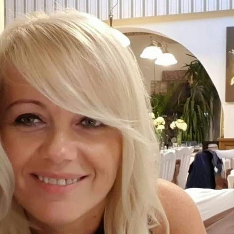 Eszter, 42 éves társkereső nő - Zalaegerszeg