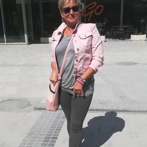 Ágnes, 54 éves társkereső nő - Várpalota