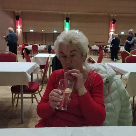 Marika, 76 éves társkereső nő - Budapest