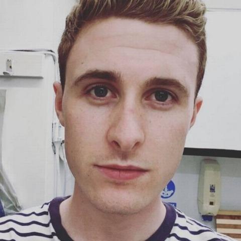 Ádám, 23 éves társkereső férfi - Salgótarján