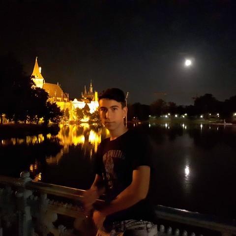 Márió, 19 éves társkereső férfi - Szeged