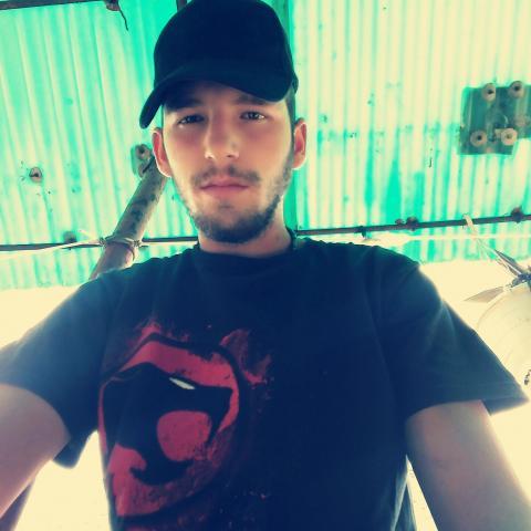 István, 23 éves társkereső férfi - buda