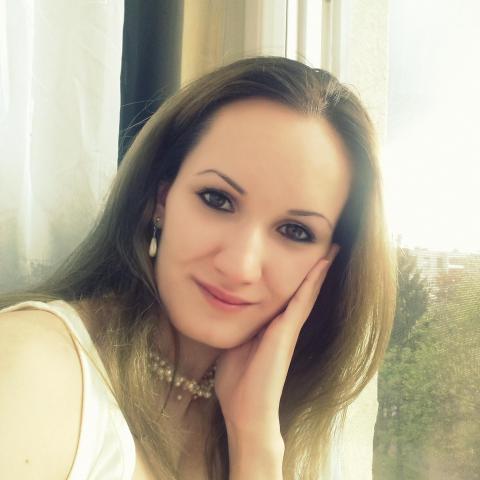 Kata, 27 éves társkereső nő - Debrecen