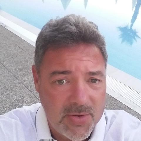 Csaba, 51 éves társkereső férfi - Velence