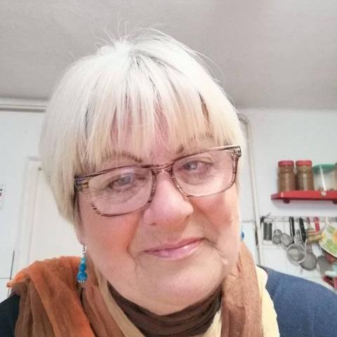 Erzsébet, 67 éves társkereső nő - Mezőkövesd