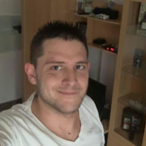Zsolt, 32 éves társkereső férfi - Felcsút