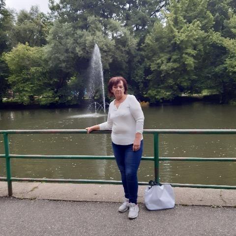 Erika, 64 éves társkereső nő - Miskolc