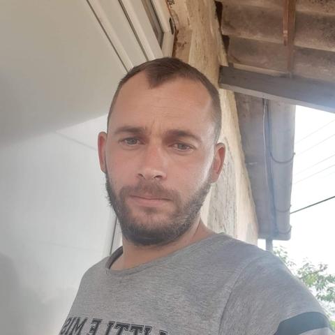 Péter, 30 éves társkereső férfi - Mezőladány