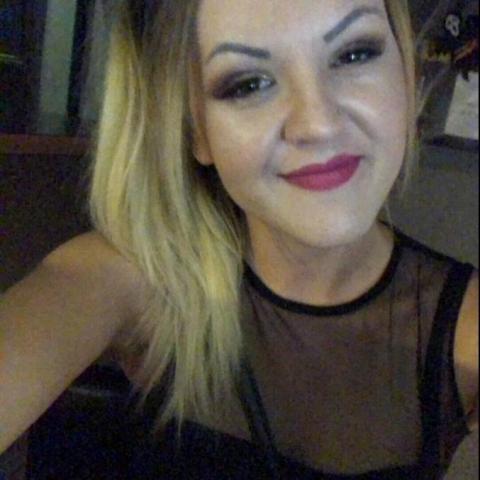 Boglárka, 25 éves társkereső nő - Miskolc