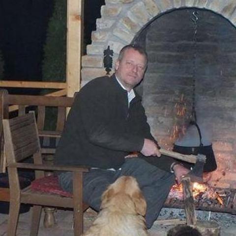 Csaba, 48 éves társkereső férfi - Szekszárd