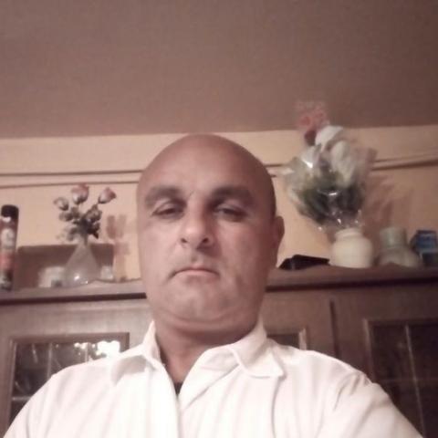István, 27 éves társkereső férfi -