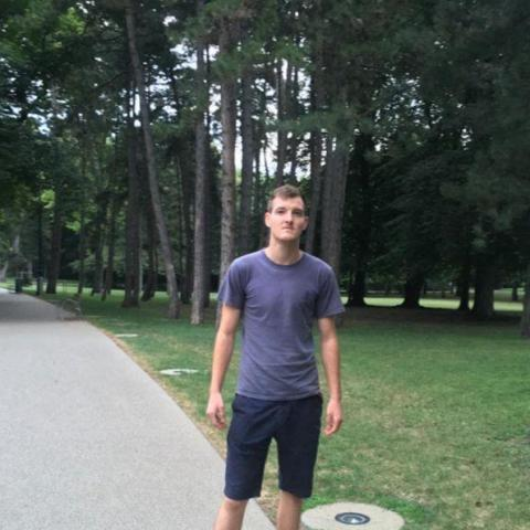 István Dominik, 21 éves társkereső férfi - Murony