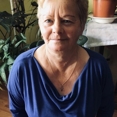 Erzsike, 61 éves társkereső nő - Méhkerék