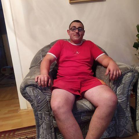 Peti, 19 éves társkereső férfi - Balsa
