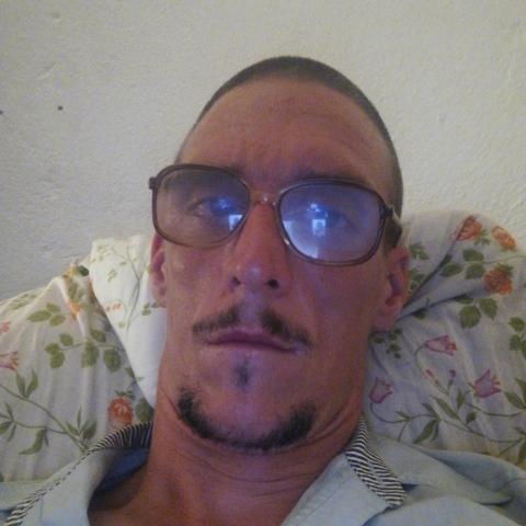 András, 34 éves társkereső férfi - Miskolc