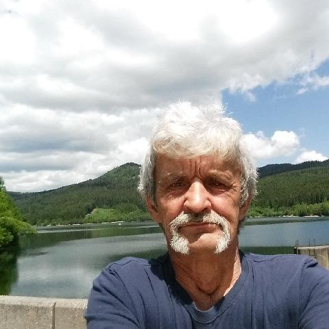 Gyula , 67 éves társkereső férfi - Iváncsa