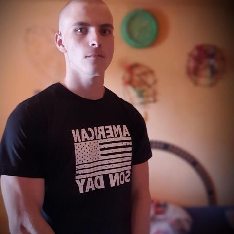 Richárd, 20 éves társkereső férfi - Nagyoroszi