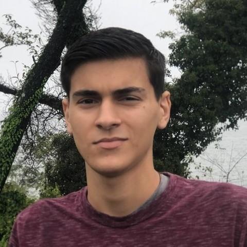 Maximilian, 18 éves társkereső férfi -