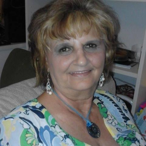 Tilda, 66 éves társkereső nő - Paks