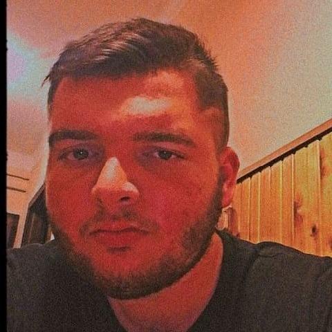 Rajmund, 19 éves társkereső férfi - Kozármisleny