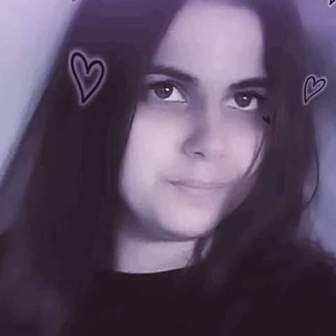 Laura, 19 éves társkereső nő - Tiszacsege